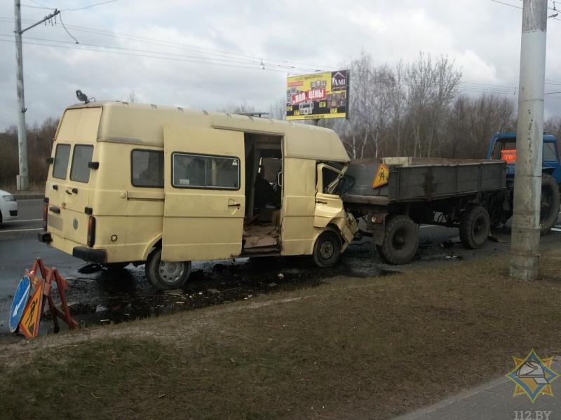 Официальная информация о ДТП с участием микроавтобуса и трактора
