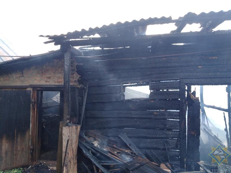В д.Ямно вчера горел сарай. Строение полностью уничтожено, есть версия о причинах