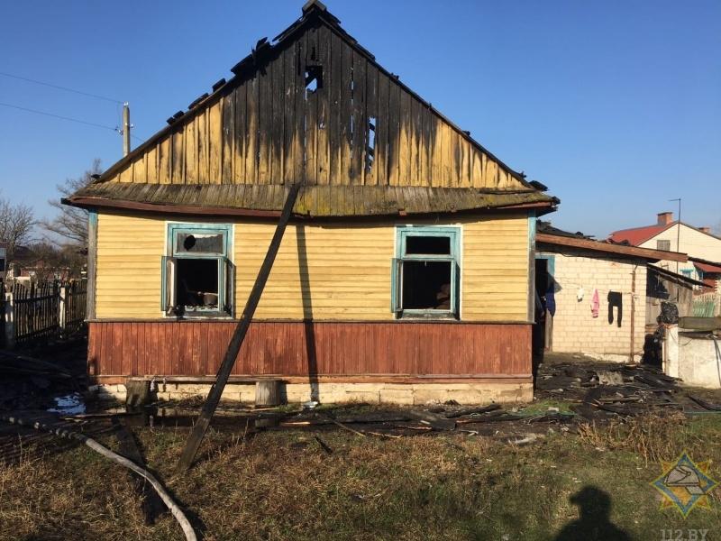В Жабинковском районе директор ОАО «Ракитница» спас женщину на пожаре