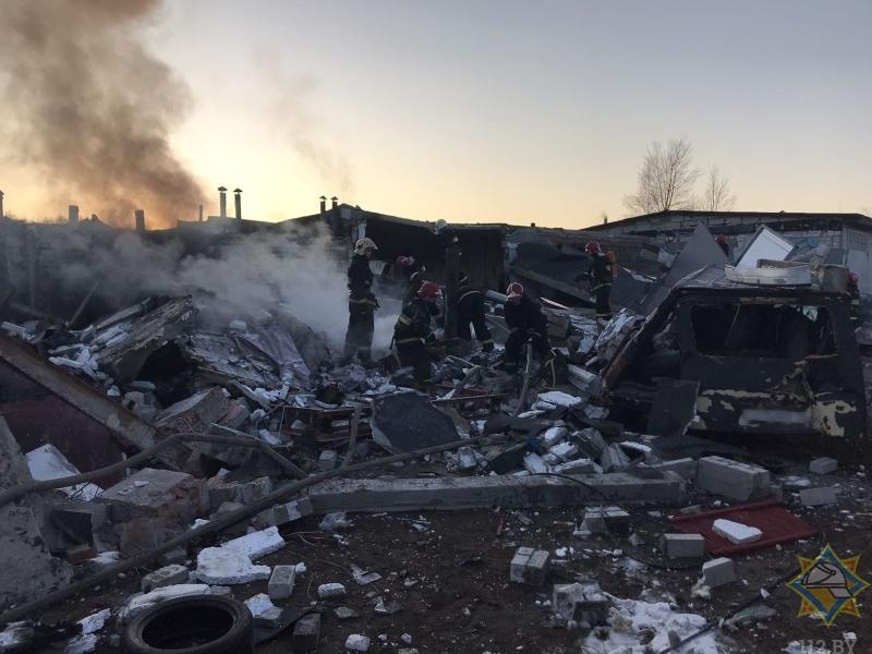 В гаражном кооперативе на ул. Коммерческой в Бресте произошёл взрыв: повреждено 5 автомобилей